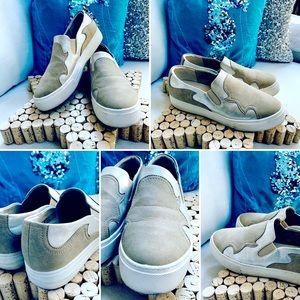 ARIAT Gigi Unbridled Sneakers Slip on EUC Sz 8M